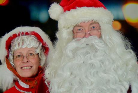 Arrival of Santa and Mrs Claus